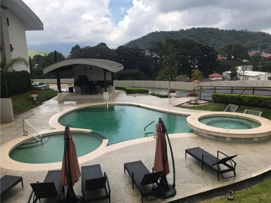 vendo apartamento lujoso residencial vilas del este en lomas de ayarco