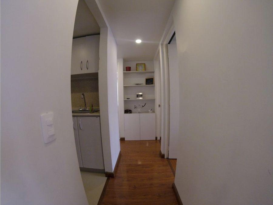 se vende apartamento remodelado en colina