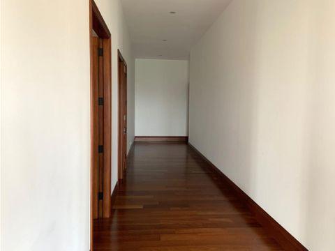 apartamento en venta o renta zona 10 via siete