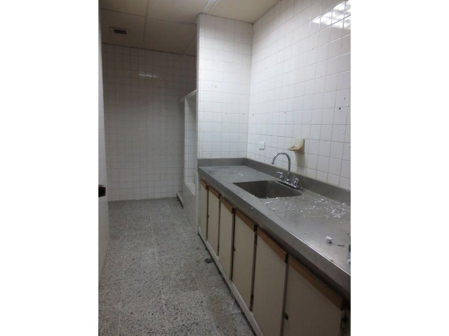 alquilo local empresarial centro de palmira 780 m2