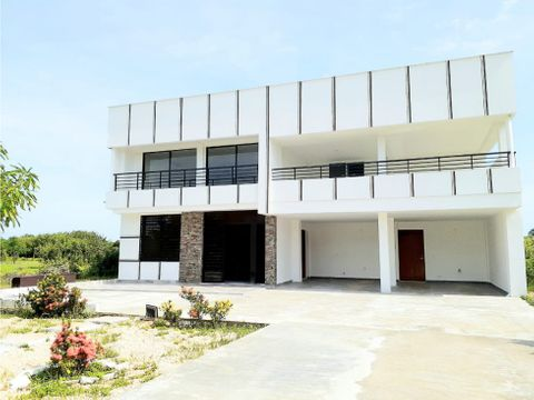 vendo casa de lujo en condominio en cartagena