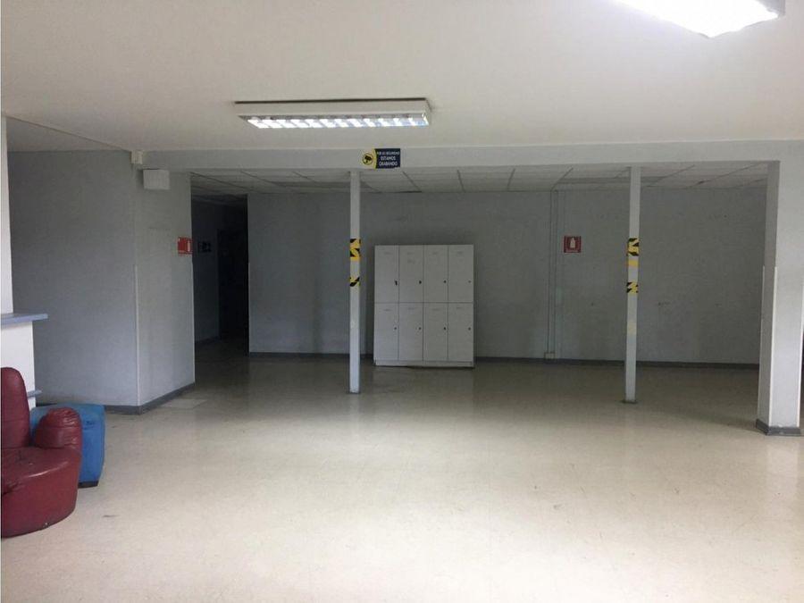 arriendo edificio en el centro de vina