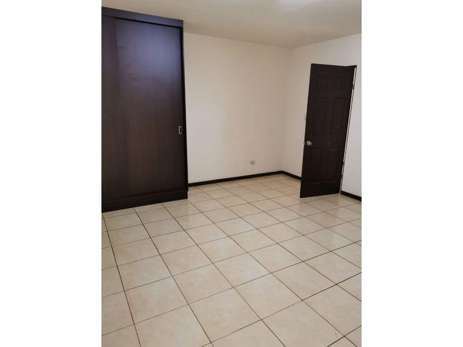 apartamento en rohrmoser con servicios a0980