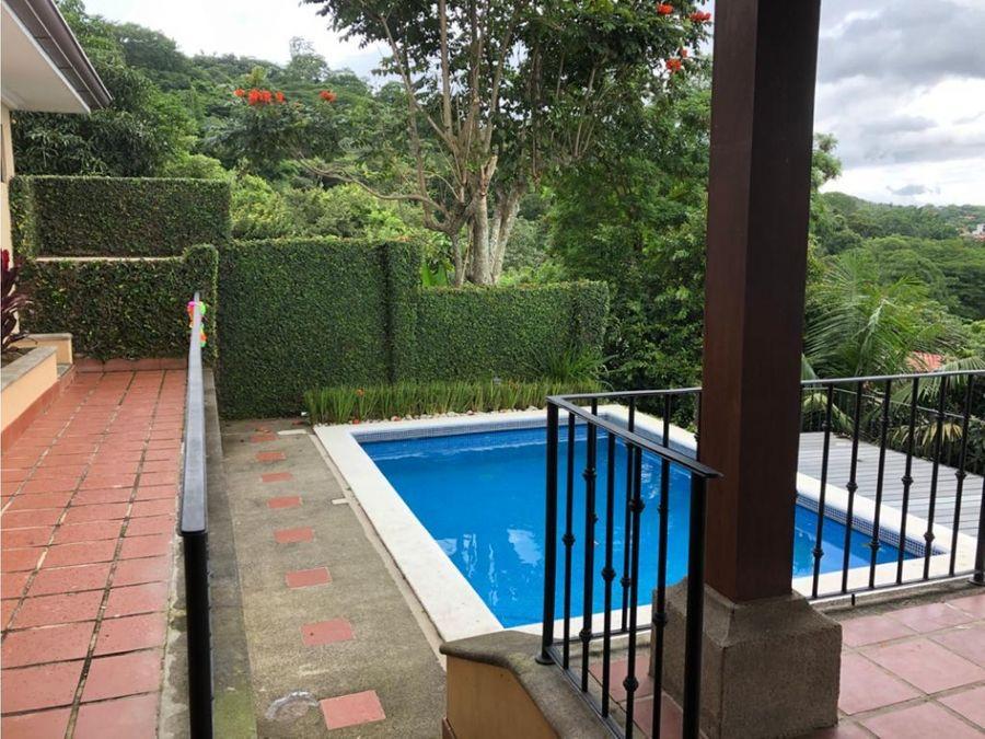 casa en ciudad colon amplia con piscina a0540