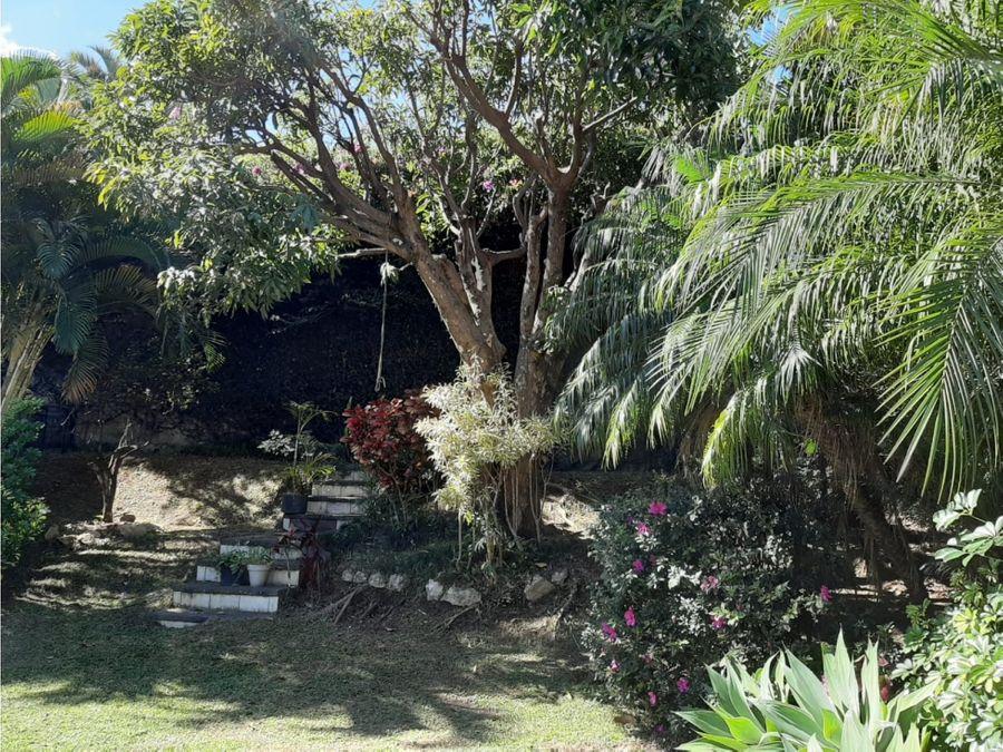 casa en sabana espectacular con jardin muy amplio a1155