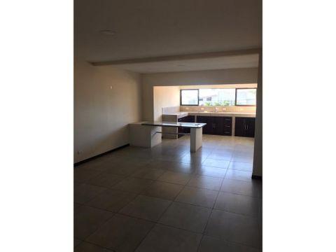 apartamento en sabana amplio con servicios a0965