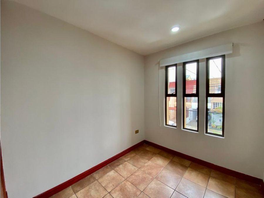 casa en rohrmoser amplia e independiente a1009