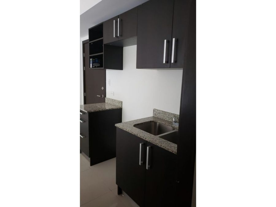 apartamento en santa ana con amenidades a1022