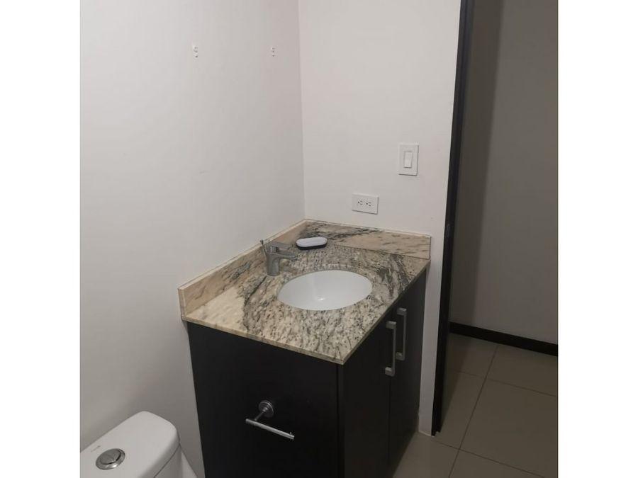 apartamento en santa ana excelentes amenidades a0797