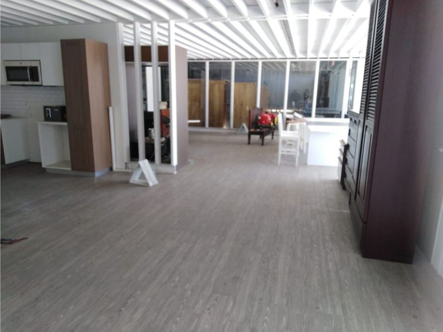 oficina en santa ana con bellos acabados a0458