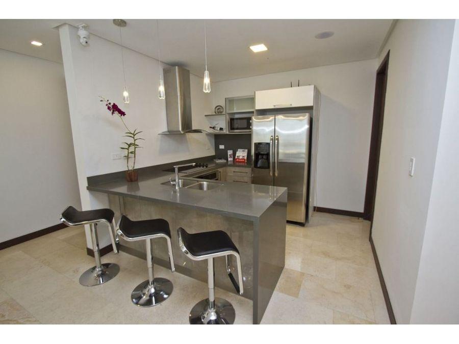 apartamento en rohrmoser acabados de lujo v0144