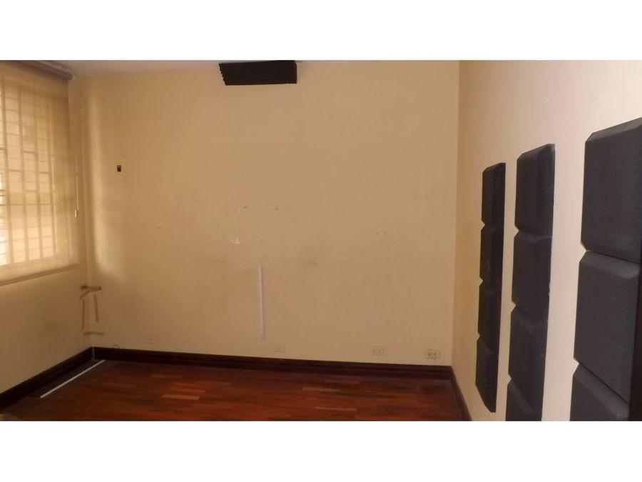 casa en rohrmoser recien remodelada v0251