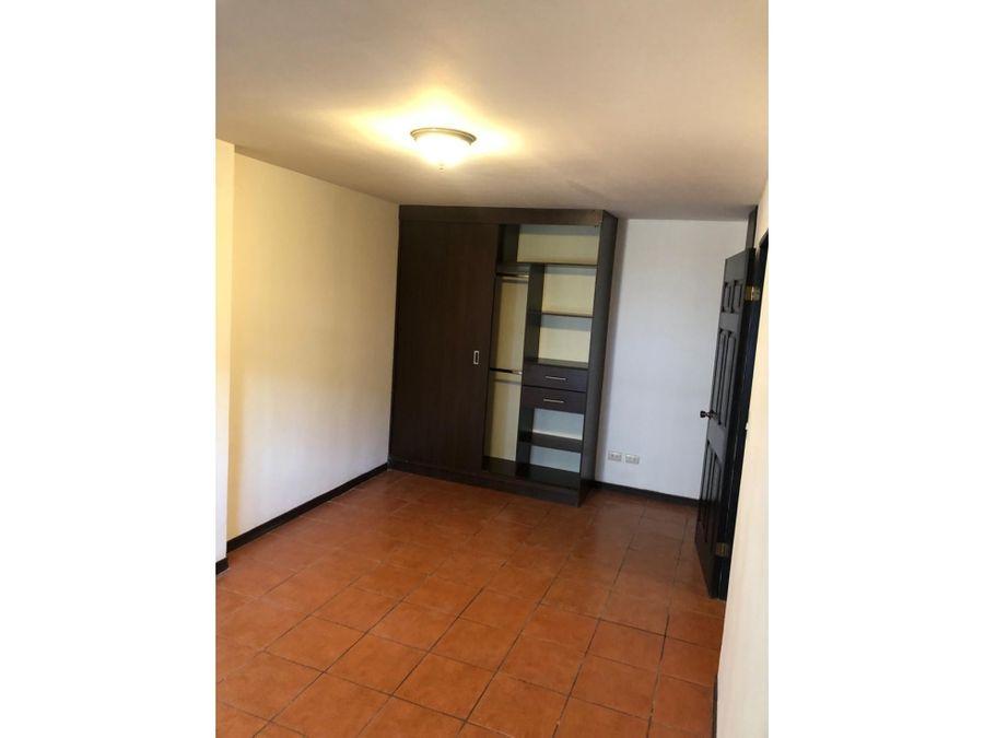 apartamento en rohrmoser la mejor oportunidad v0367