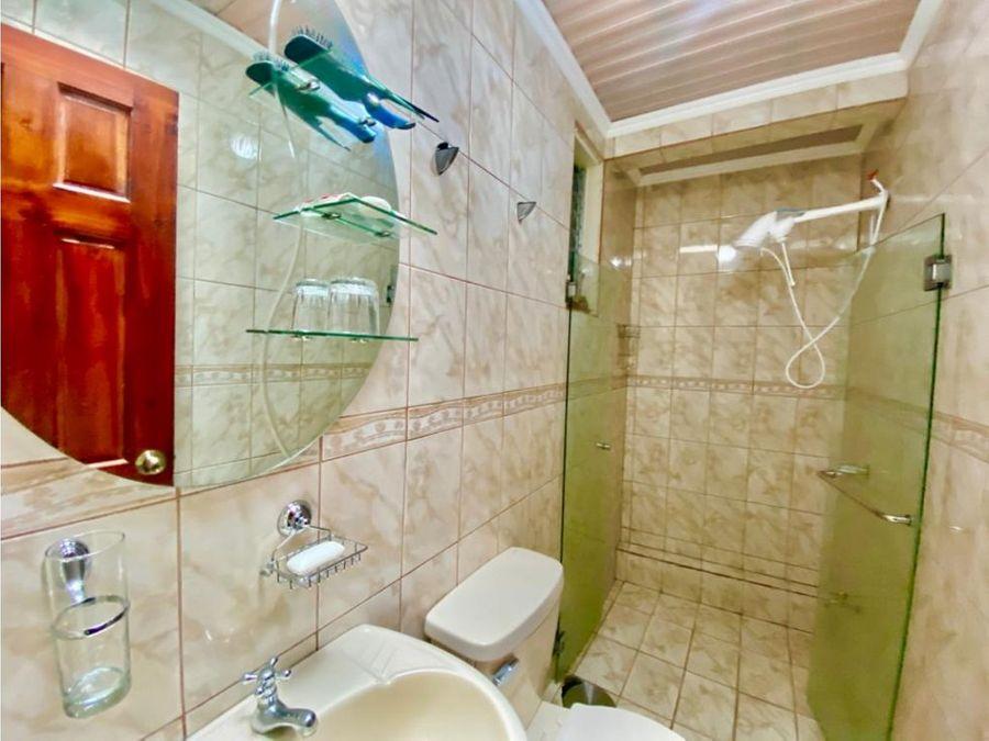 casa en rohrmoser segura y remodelada v0400
