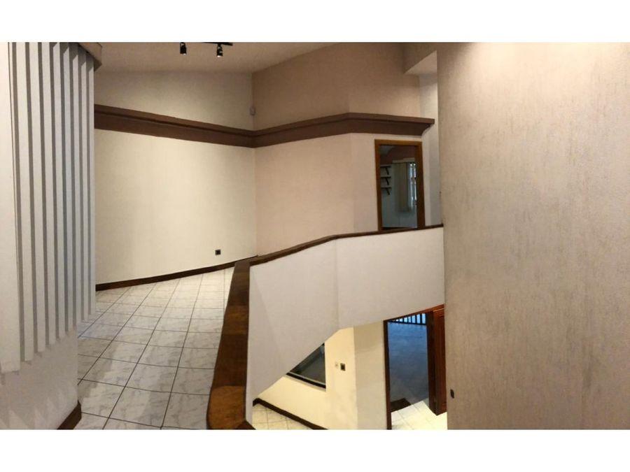 casa en sabana amplia ideal para oficina a1077