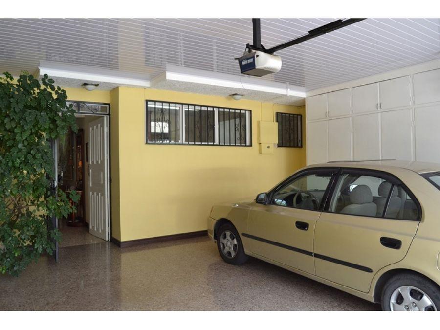 casa en rohrmoser excelente ubicacion v0322
