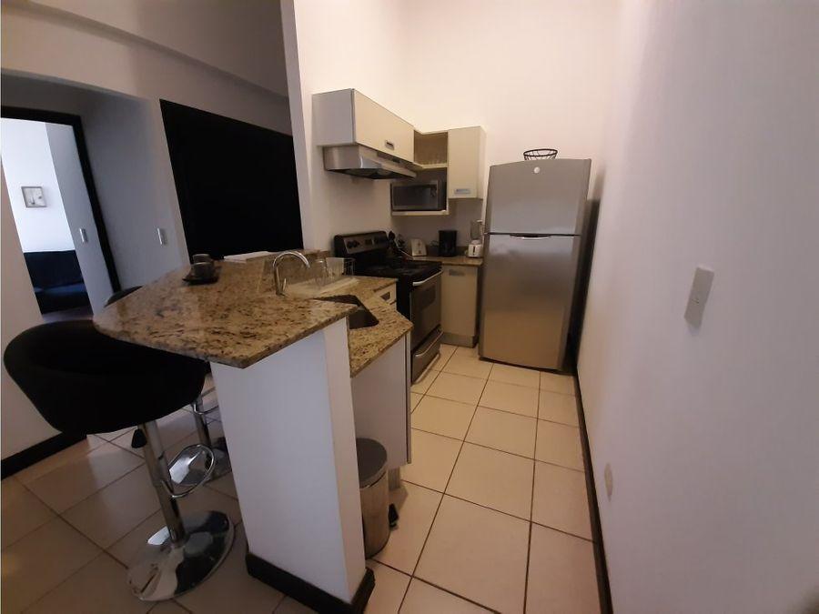 apartamento en santa ana full amoblado a0895