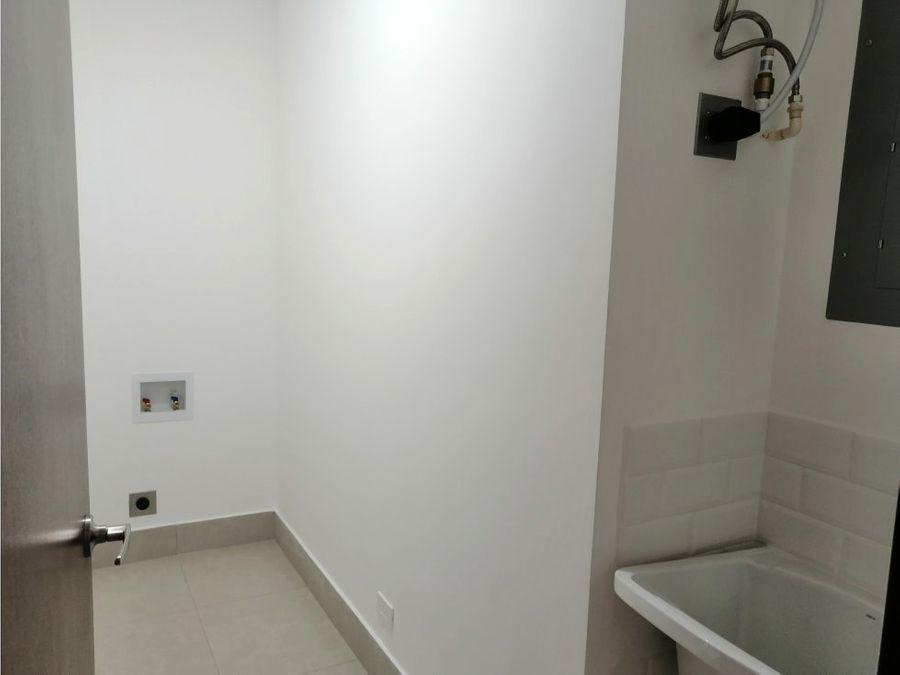 apartamento en santa ana excelentes acabados a0824