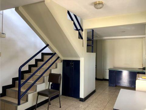 casa en sabana con uso de suelo mixto v0324