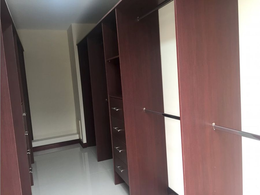 apartamento en escazu con amenidades y vistas a096