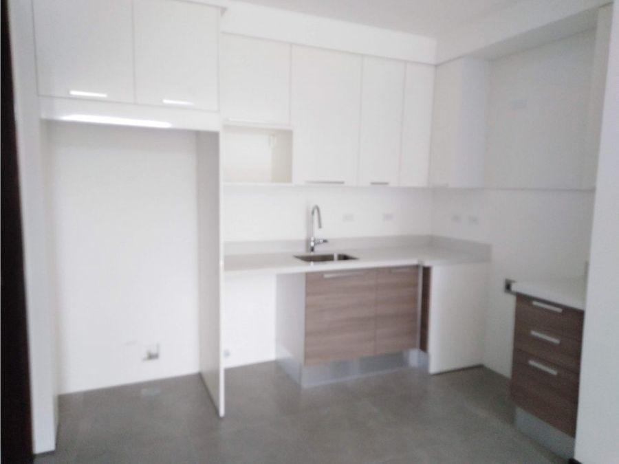 apartamento en escazu bellas amenidades v0270
