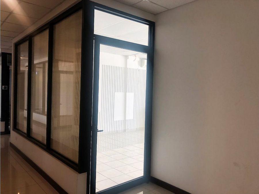 oficina en escazu sobre calle principal a0575