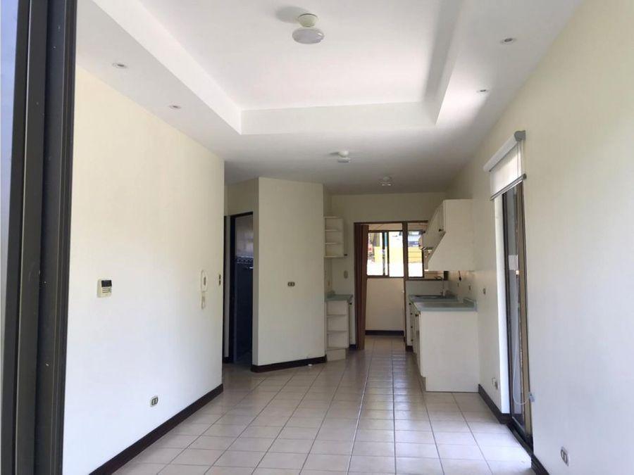 apartamento en rohrmoser amplio con hermosa vista a1005