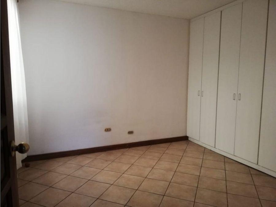 apartamento en sabana inmejorable opcion en la zona v0380