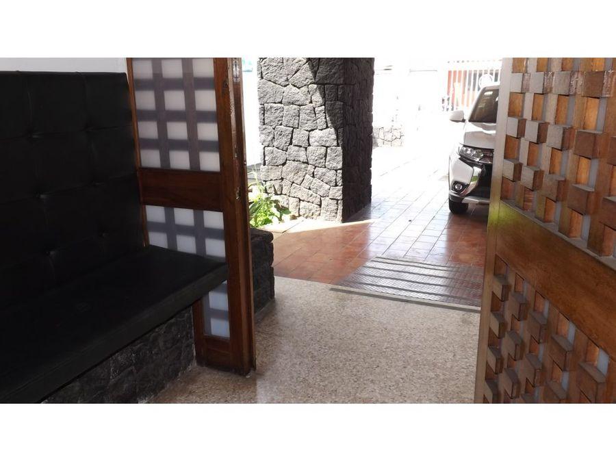 casa en rohrmoser amplia uso de suelo mixto a0848
