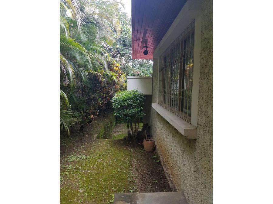 casa en rohrmoser hermoso diseno y jardin v079