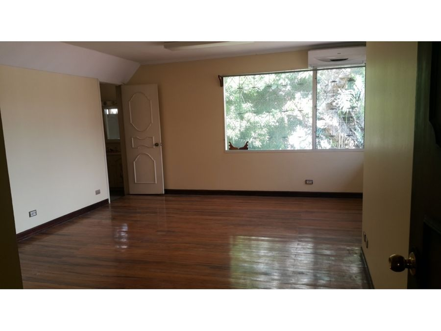 casa en sabana amplia ideal para oficina a1144