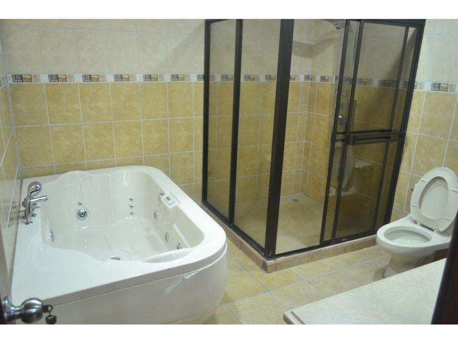 casa en rohrmoser excelente ubicacion piscina privada v0370