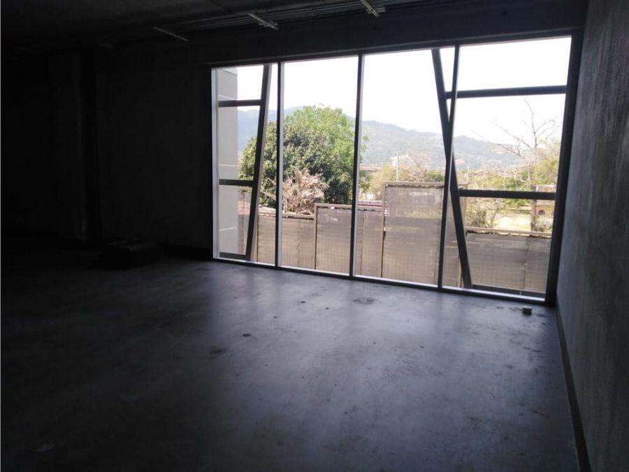 oficina en santa ana amplia a0530