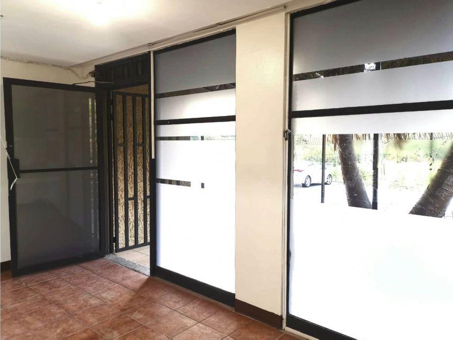 oficina en sabana ubicacion muy centrica a0940