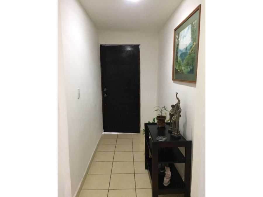 casa en rohrmoser excelente ubicacion v0391