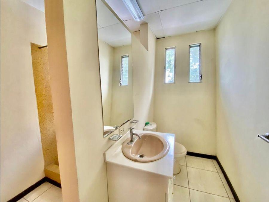 casa en sabana amplia uso de suelo mixto a1216