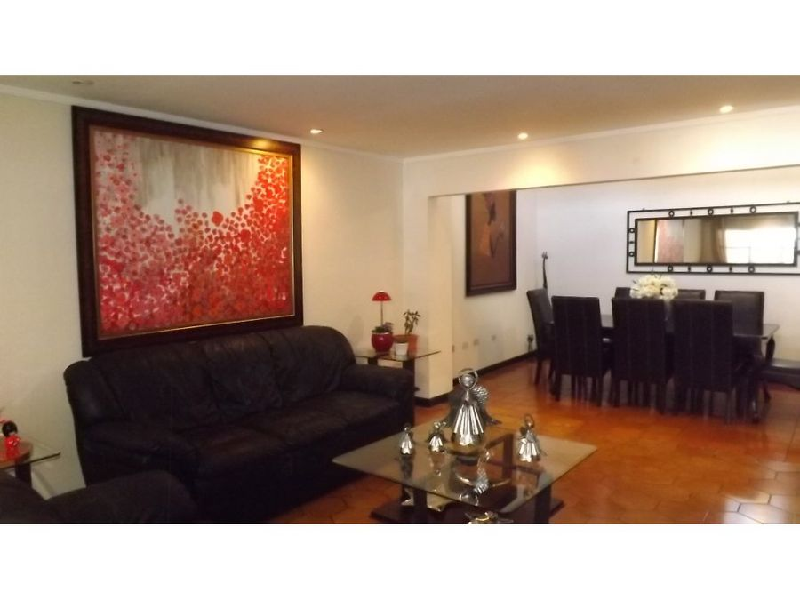 casa en venta en rohrmoser v0310