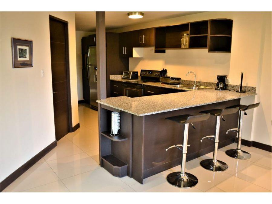 apartamento en santa ana con linea blanca a0560