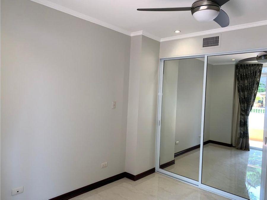 apartamento en escazu excelentes amenidades a0711