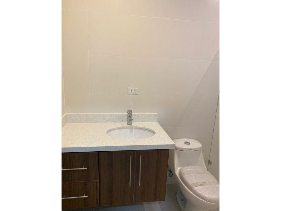 apartamento en rohrmoser para estrenar v0269