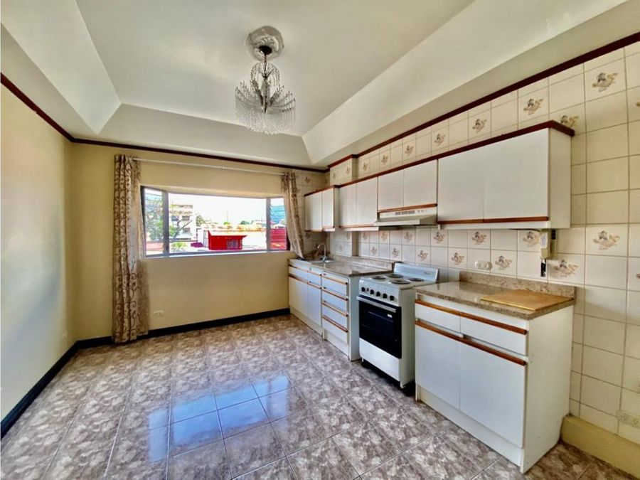 apartamento en rohrmoser lindo y semi amoblado a1197