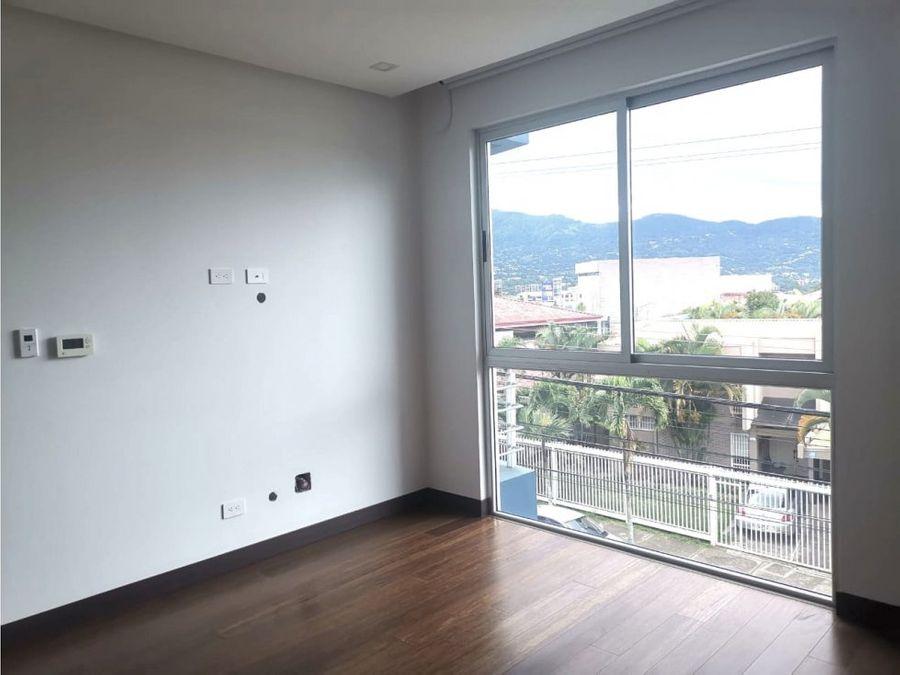 apartamento en rohrmoser en excelente zona v0197