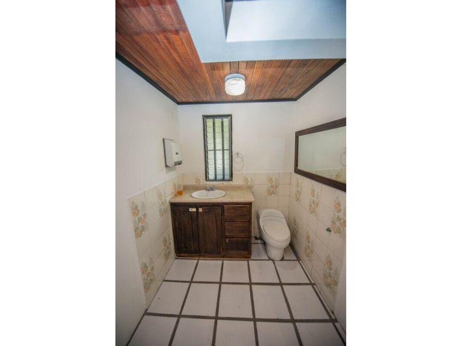 casa en la uruca uso suelo mixto muy amplia a0179