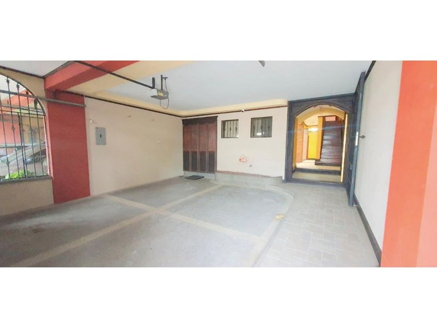 casa en rohrmoser nunciatura muy amplia a1207