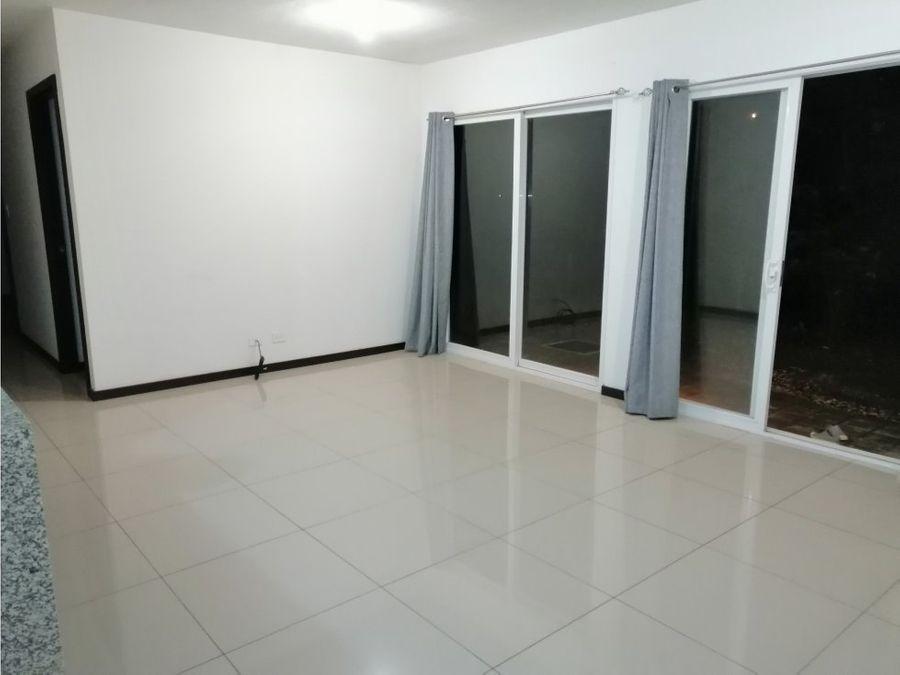 apartamento en santa ana gran oportunidad v0282