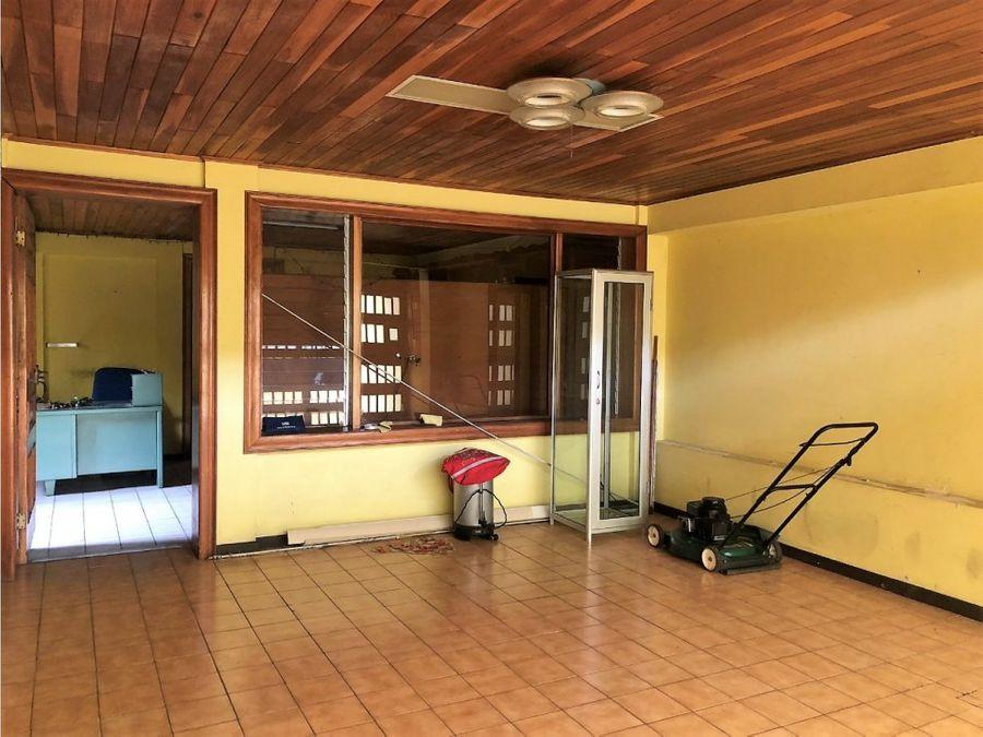 casa en alquiler en rohrmoser a0573