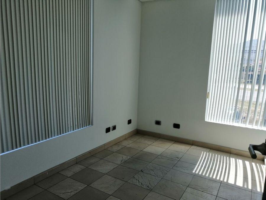 oficina en santa ana excelente zona a0888