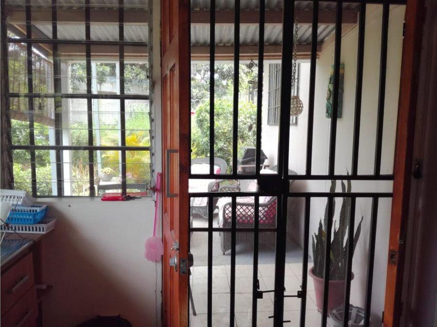 apartamento en escazu con servicios incluidos a0972