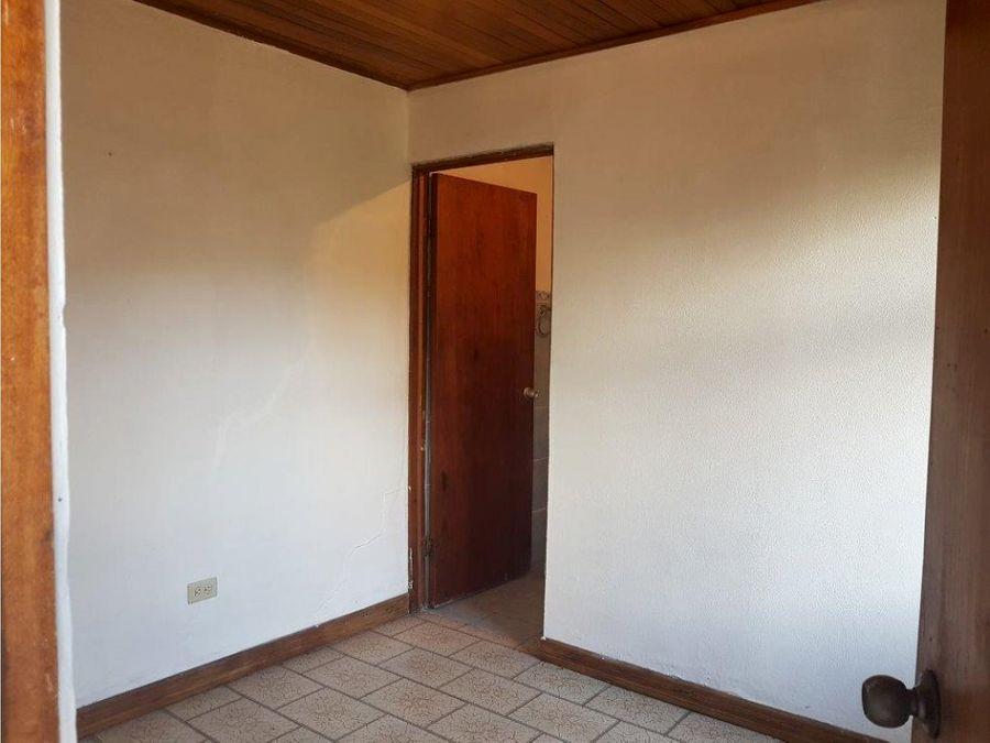 casa en rohrmoser uso de suelo mixto v0342