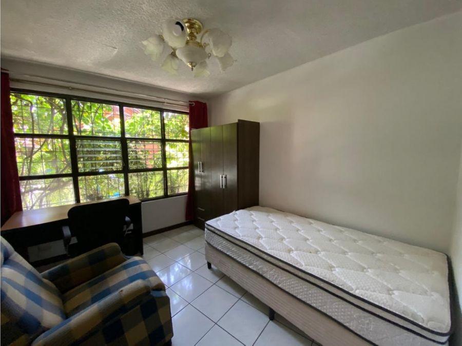 apartamento en rohrmoser amoblado y con piscina a1096